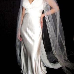 Vera Wang Silk Wedding Dress